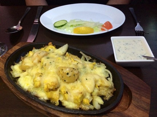 Shama Restaurant: Chicken Namball Sizzler