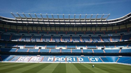 Tryp Madrid Chamartin: Estadio Santiago Bernabeu ist nur drei U-Bahn Stationen weiter