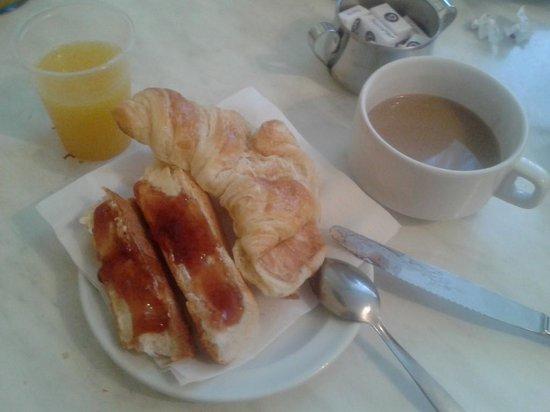 Pax Hotel: breakfast