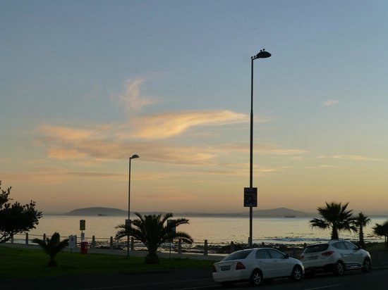 Dolphin Inn Guesthouse, Mouille Point: View from room ( and would be the same from diningroom