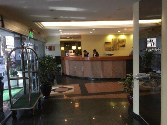 Holiday Inn Montevideo: Front desk