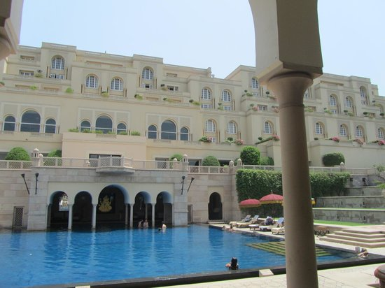 The Oberoi Amarvilas : The Pool