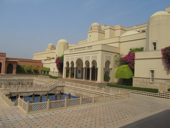 The Oberoi Amarvilas: Entrance