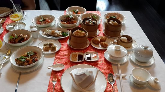 Pullman Bangkok King Power: Tim sum buffet at Dejavu