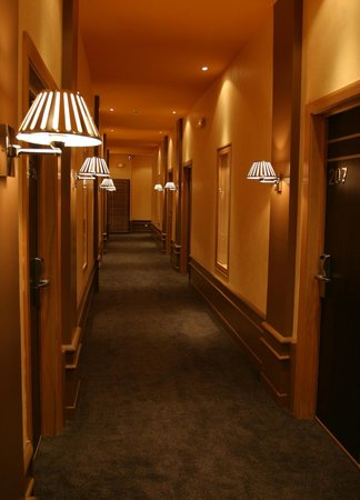 Tana Hotel : couloir hôtel