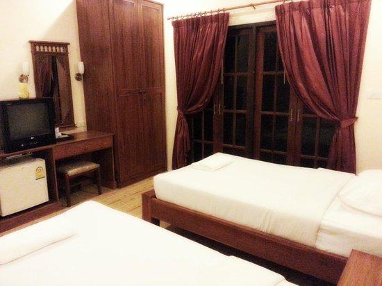 Chandee Guesthouse: เราพักห้อง7ไม่มีหน้าต่าง แต่ก็นอนสบาย