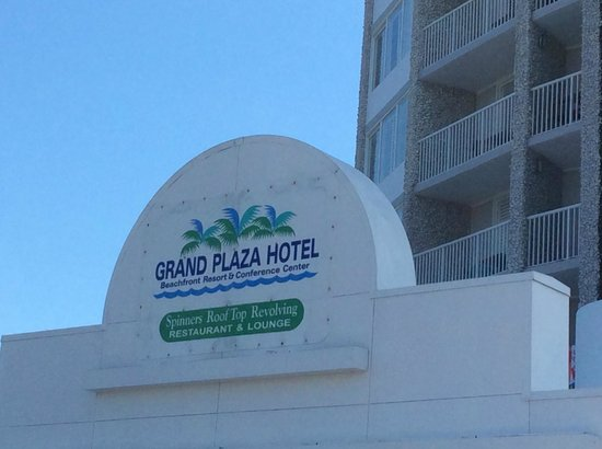 Grand Plaza Beachfront Resort Hotel & Conference Center: Eingang