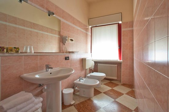 Hotel Veronello: standard bathroom