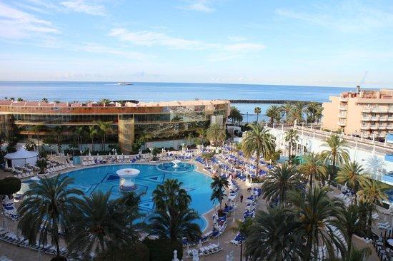 Mediterranean Palace Hotel: Шикарный вид на океан