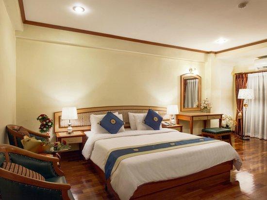 Patumwan House : Living Room