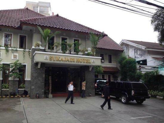 Sukajadi Hotel: Entrance
