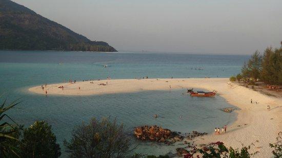 Mountain Resort Koh Lipe: sunrise beach
