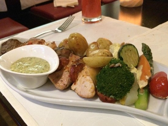 Bolero Restaurante : Horrible overcooked skewer of meat