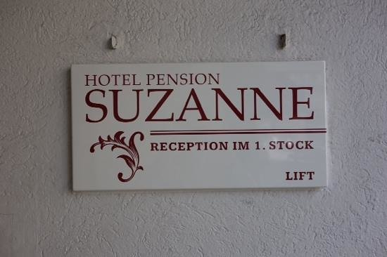 Pension Suzanne: wall sign