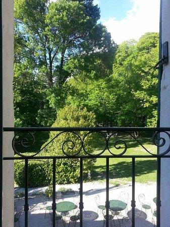 Domaine des Tilleuls: Hotel garden view room #10