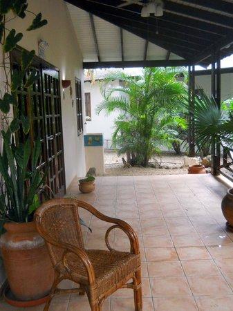 Captain Don's Habitat: 2-Br cottage patio view.   Comfortable.