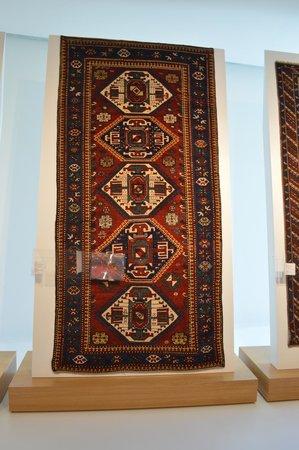 Heydar Aliyev Cultural Center: woolen carpet