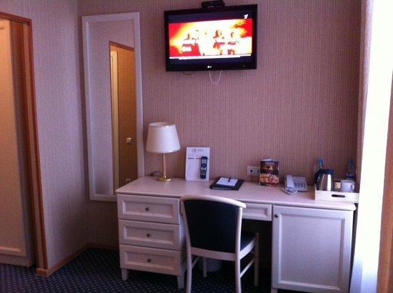 Aston Hotel : Стандартный номер красив и уютен