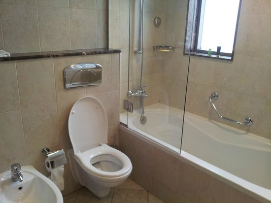 Vision Hotel Apartments : bathroom