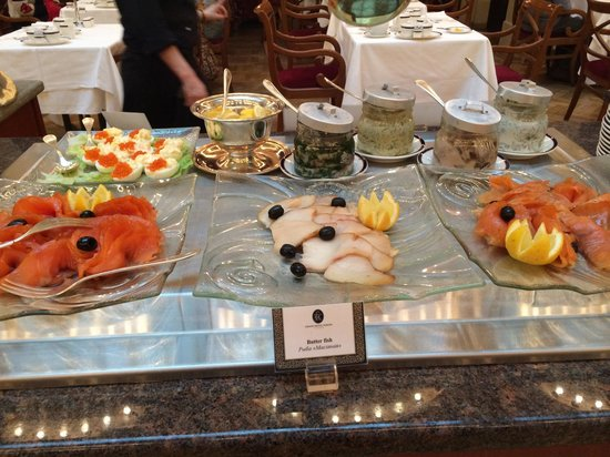 Belmond Grand Hotel Europe: Salmon, caviar