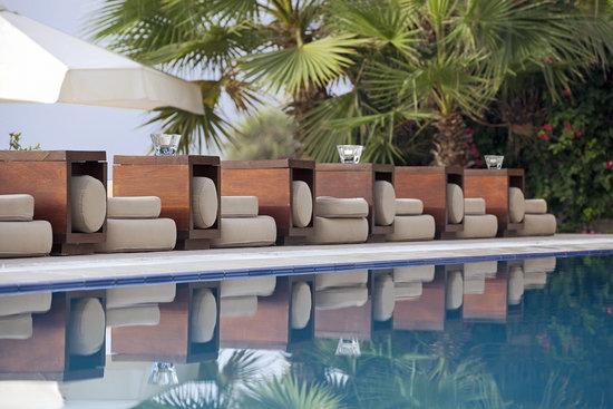 Londa Hotel: Sun Lounges