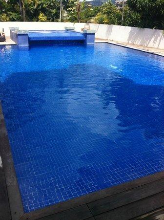 Hotel Tahiti Nui : piscine
