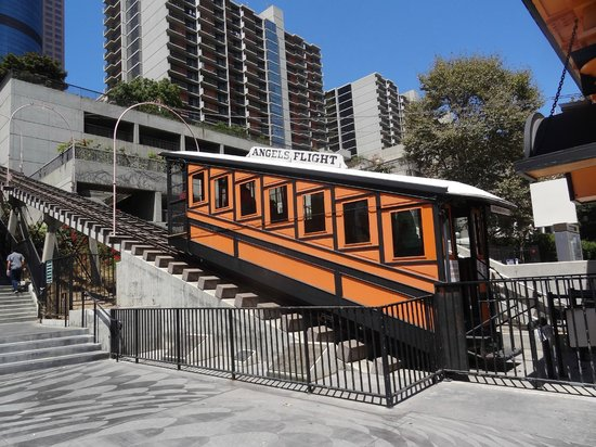 Omni Los Angeles at California Plaza: The Angel's Flight. The hotel is in the background. Hill Street is on the lower level to the rig