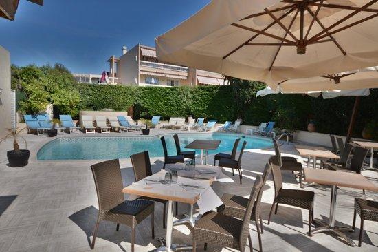 Hotel de la Mer Photo