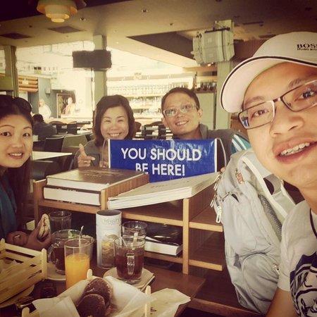 Public Cafe: Breakfast time!