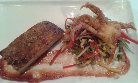 Sandalford Restaurant : Delicious Pork Belly with crumbed Crab & Thai Salad
