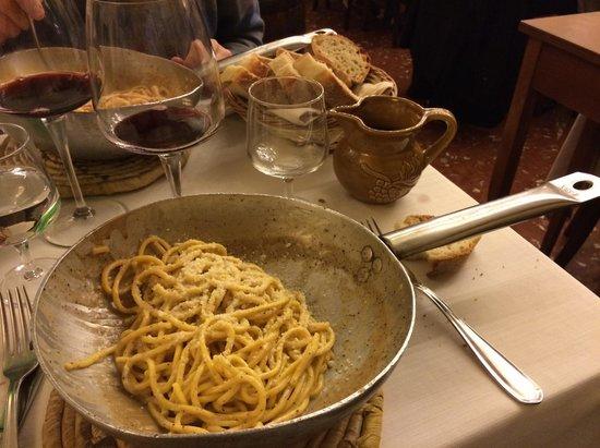 Taverna Trilussa: Tonnarelli Cacio e Pepe