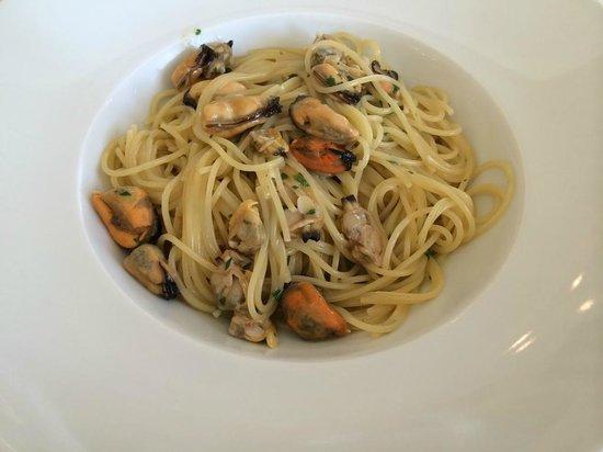 La No' : Spaghettino con sgusciato di mare