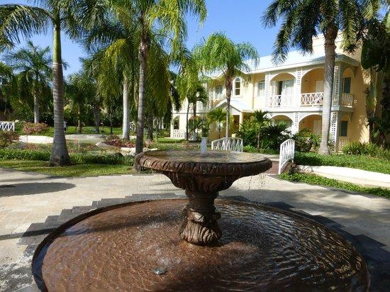 Royal Hideaway Playacar: Beautiful