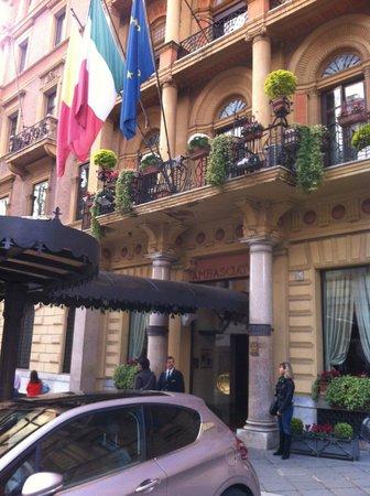 Ambasciatori Palace Hotel: Entrée de l'hotel
