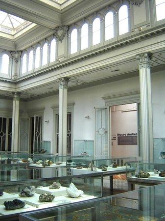 Museo de Minerales Andres del Castillo: Museo de Minerales