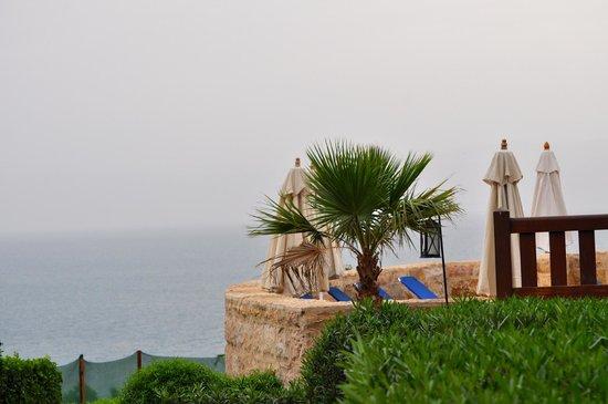 Movenpick Resort & Spa Dead Sea: Looking out into the Dead Sea
