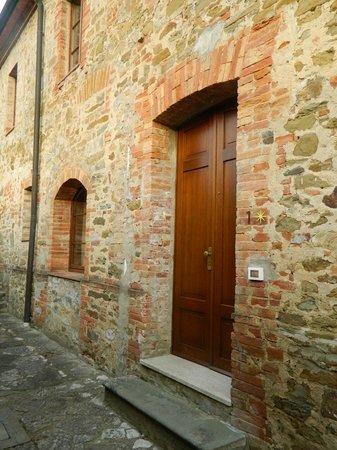 Castel Monastero: Hotel, Room entrance
