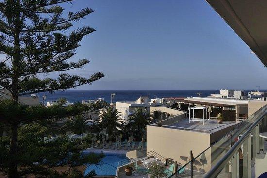 Minos Hotel: vue sur mer