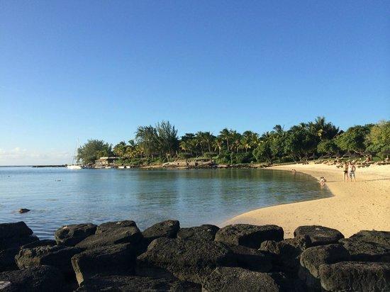 Canonnier Beachcomber Golf Resort & Spa : La plage du Club-Med juste à coté de celle de l'hôtel