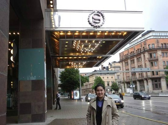 Sheraton Stockholm Hotel: The Entrance