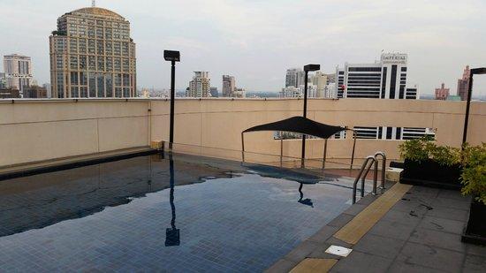 S31 Sukhumvit Hotel: Penthouse Pool