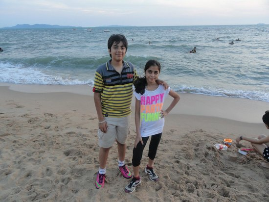 Jomtien Beach : Clean beach