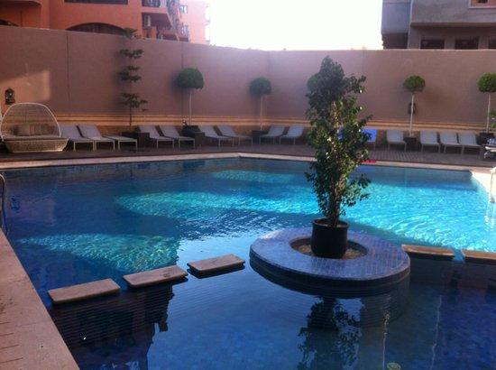 Hivernage Hotel & Spa: La piscine de l'hôtel (pas chauffée)