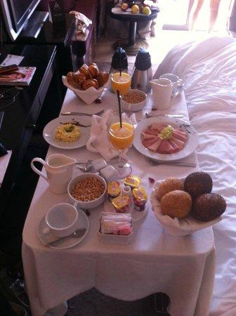 Hivernage Hotel & Spa: Un petit déjeuner en chambre
