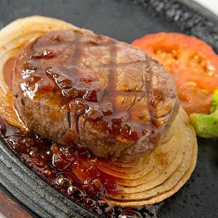 Hotel Bali Tower Osaka Tennoji : レストラン『スコール』よりフィレ肉のステーキ