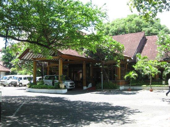 Grand Istana Rama Hotel Bali : entrance