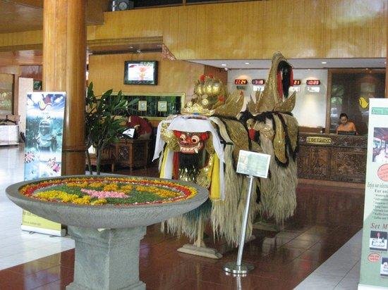 Grand Istana Rama Hotel Bali : fete de la plaine lune
