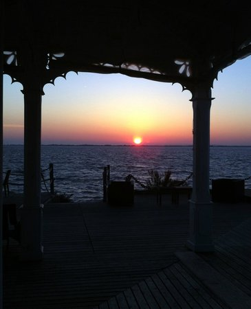 La Maison de l'Eau : Sunrise