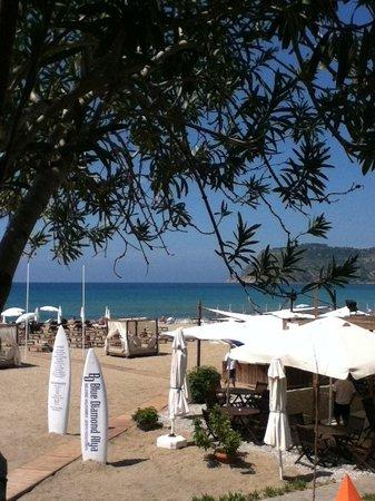 Het strand van Blue Diamond Alya.