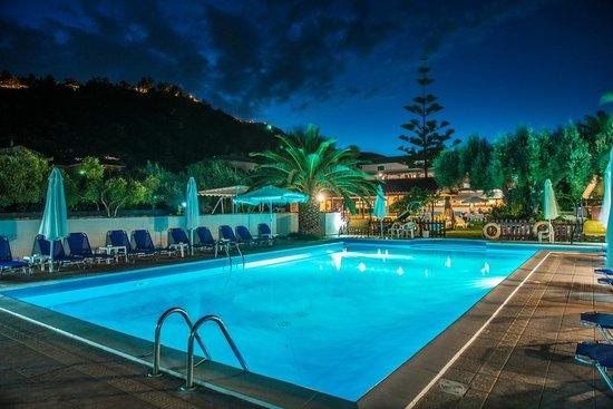 Frini, Hellas: Pool (Night)